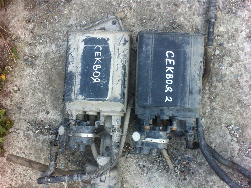 Фильтр паров топлива абсорбер Toyota Sequoia 60 3UR 2010