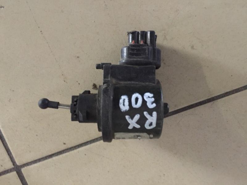 Корректор фары Lexus Rx330 30