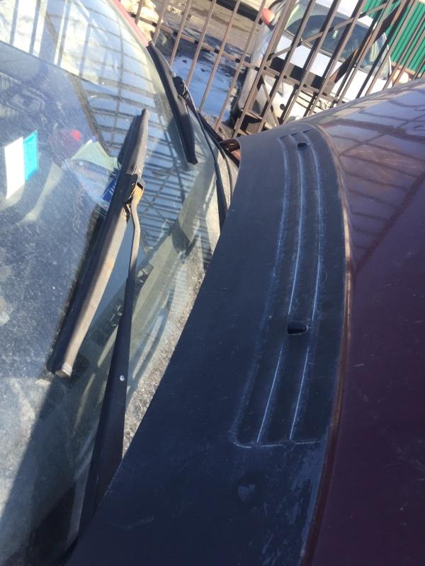 Держатель щетки стеклоочистителя (поводки дворников) Mitsubishi Rvr N23W 1995
