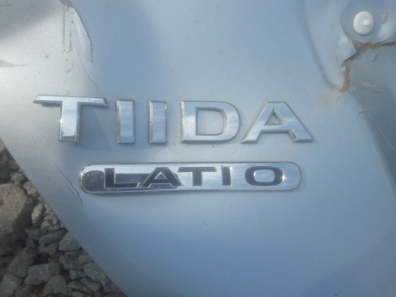 Эмблема Nissan Tiida Latio SC11 HR15 2005