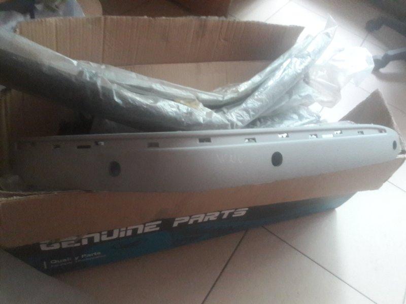 Накладка на бампер Mercedes-Benz E240 WDB210 M112.911 E24 2000 передняя правая