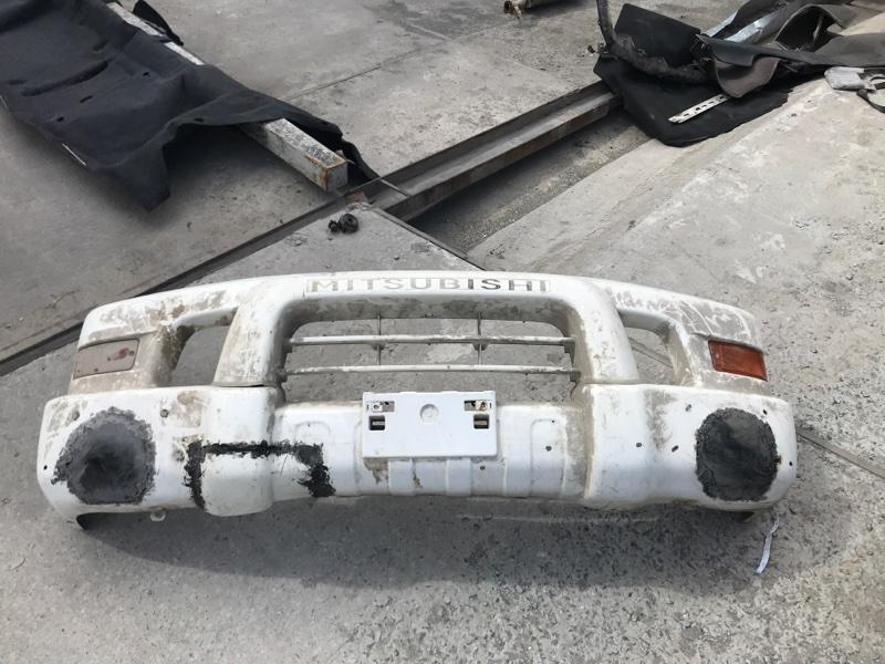 Бампер Mitsubishi Delica PE8W 4M40 2002