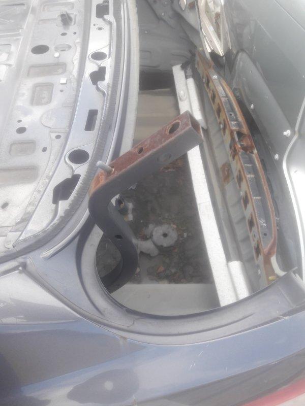 Петля крепление крышки багажника Toyota Camry ACV40 2AZFE 2007