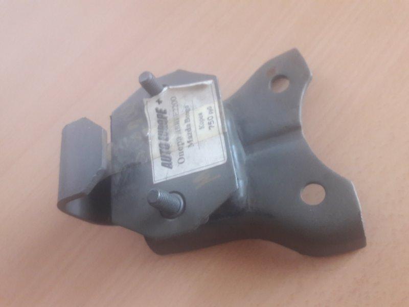 Крепление опора двигателя Mazda Bongo SE28, SD29
