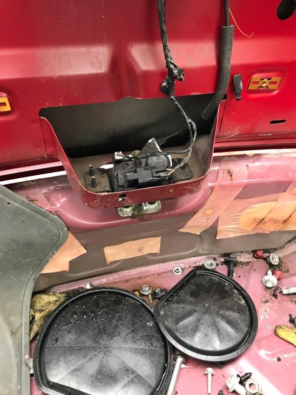 Замок багажника Dodge Caliber PM ECN 2012