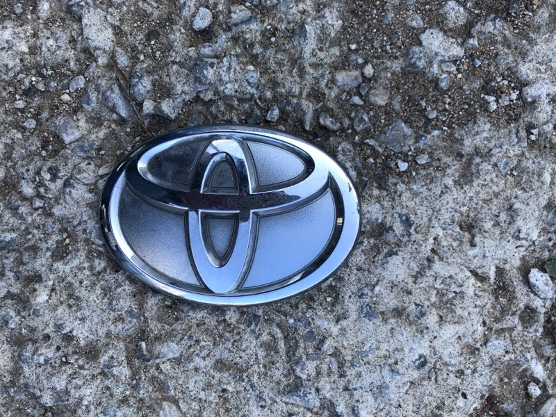 Эмблема Toyota Land Cruiser Prado 150 2015 задняя