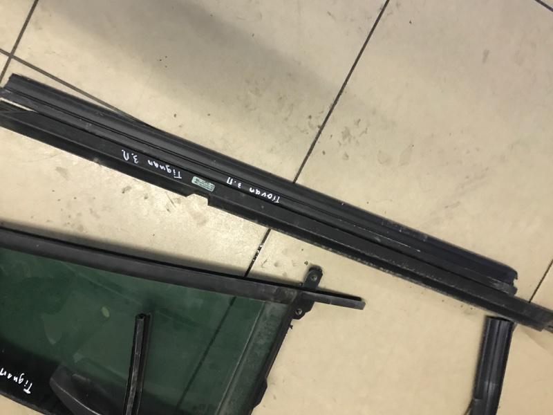 Молдинг стекла Volkswagen Tiguan 5N2 2014 задний правый