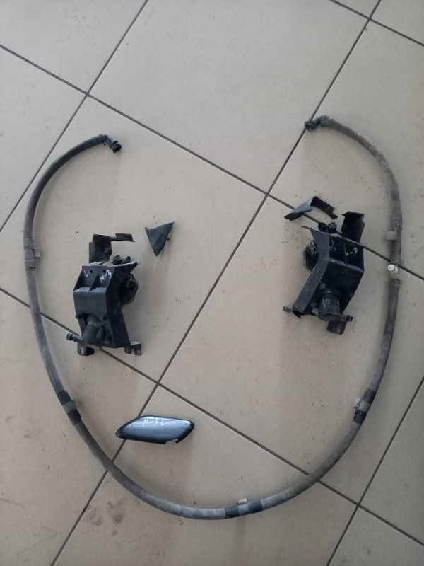 Форсунка омывателя Mazda 3 BK