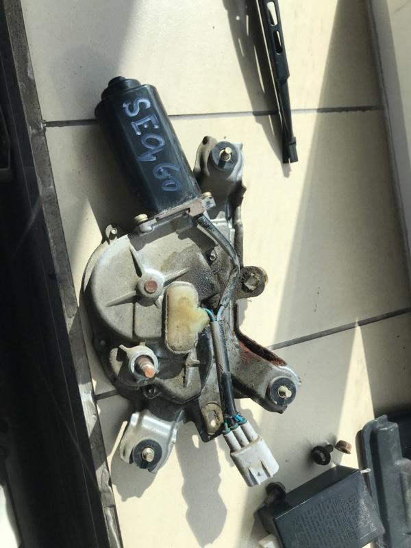 Мотор дворников двигатель стеклоочистителя Toyota Sequoia USK45 3UR 2005 задний