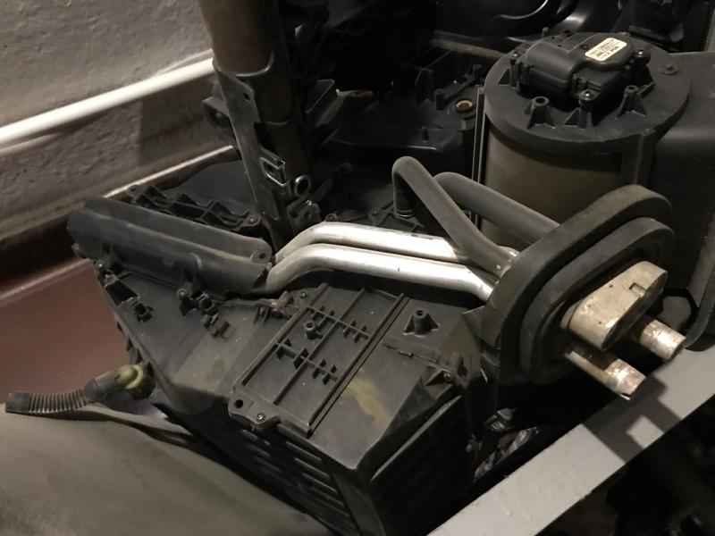 Радиатор отопителя Ford Focus 2 2010