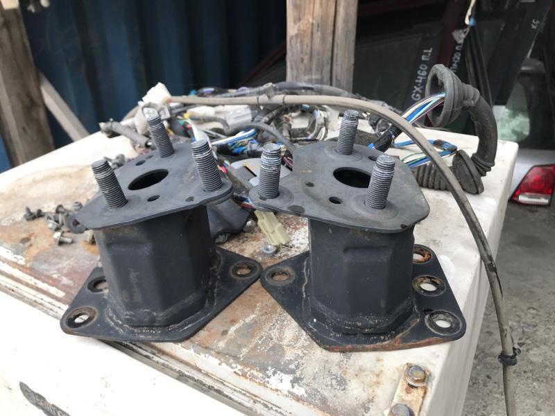 Крепление кронштейн усилителя бампера Toyota Sequoia 60 2010 переднее