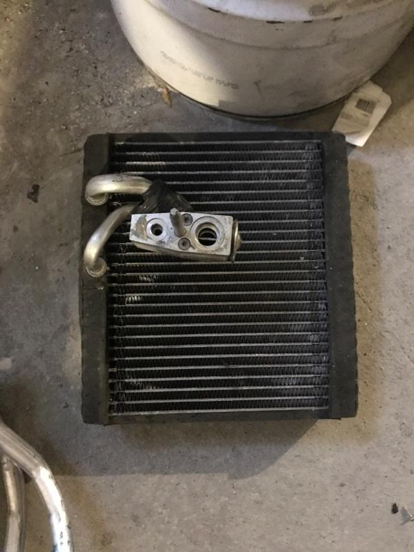 Радиатор кондиционера Cadillac Srx EY LF1 20011