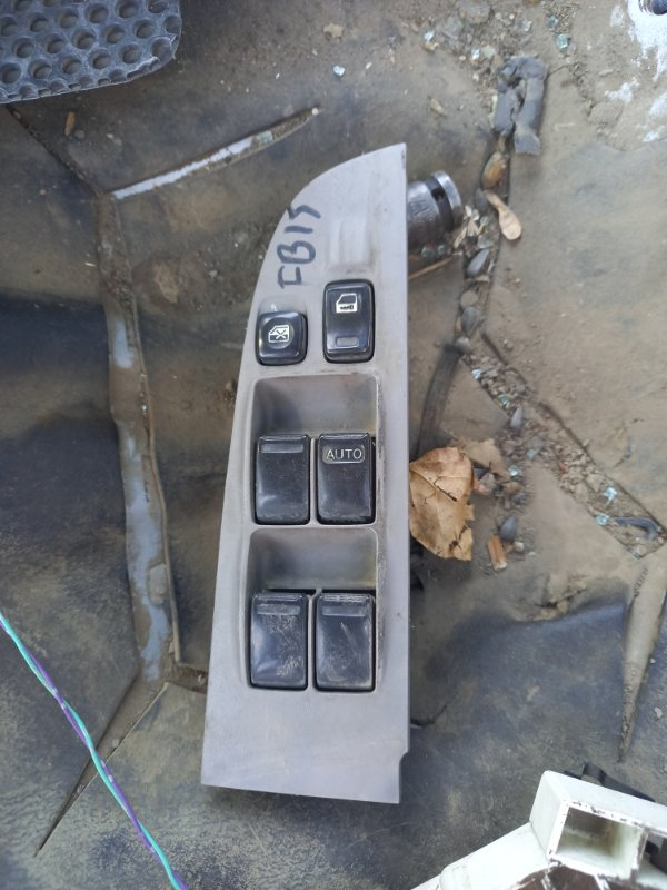 Блок управления стеклоподъемника Nissan Sunny FB15, FNB15 QG15DE, QG13DE 2001 передний правый