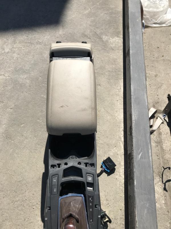 Бардачок межсидений Cadillac Srx EY LF1 20011