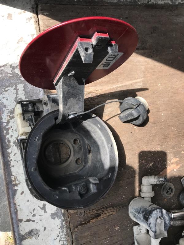 Лючок топливного бака бензобака Cadillac Srx EY 2011