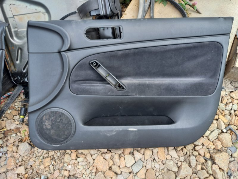 Обшивка двери Audi A4 B5 УНИВЕРСАЛ ARG 1.8 НЕ ТУРБО 2000