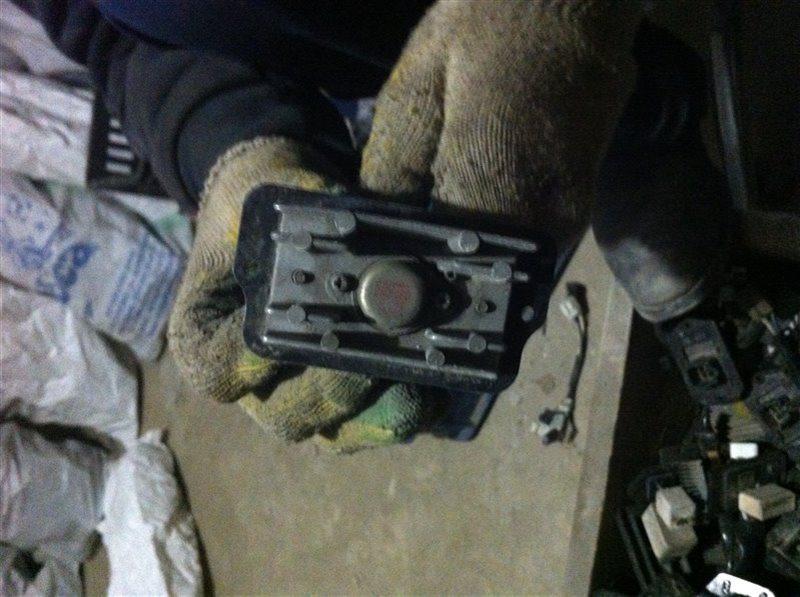 Резистор реостат отопителя печки Honda Cr-V RD1 B20B 1999