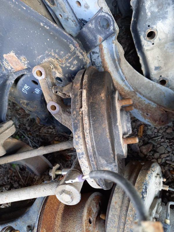Ступица Mazda Familia BHA3S B3ME 1997 задняя