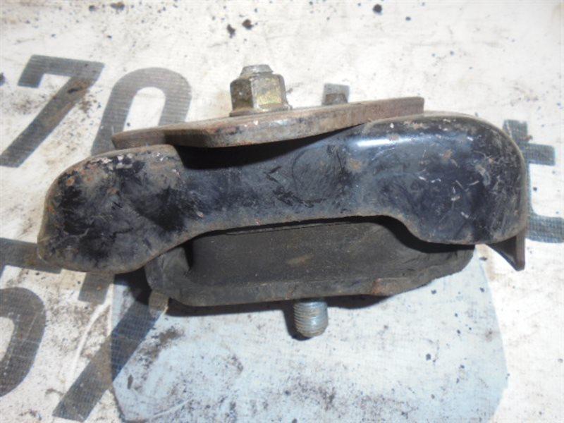 Подушка двигателя Toyota Regius RCH47 3RZ