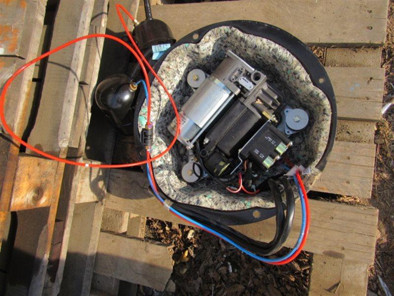 Компрессор пневмоподвески Bmw X5 E53 M54B30 2004