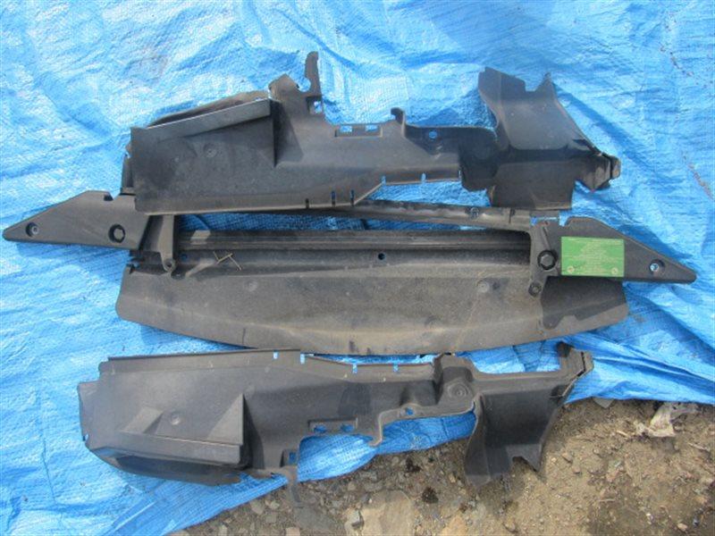 Пластм. защита над радиатором Bmw X5 E53 N62B44 2005