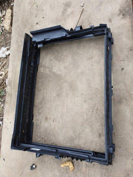 Пластм. защита над радиатором Bmw 7-Series E65 N62B44A 2003