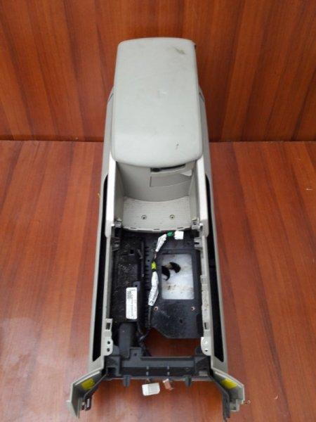 Бардачок между сиденьями Infiniti Qx56 JA60 VK56DE 2004 передний