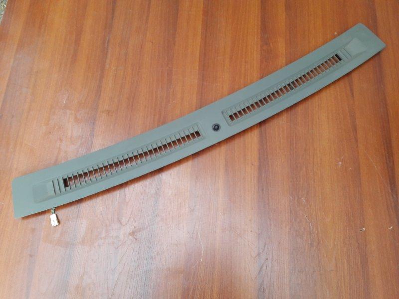 Молдинг лобового стекла Infiniti Qx56 JA60 VK56DE 2004