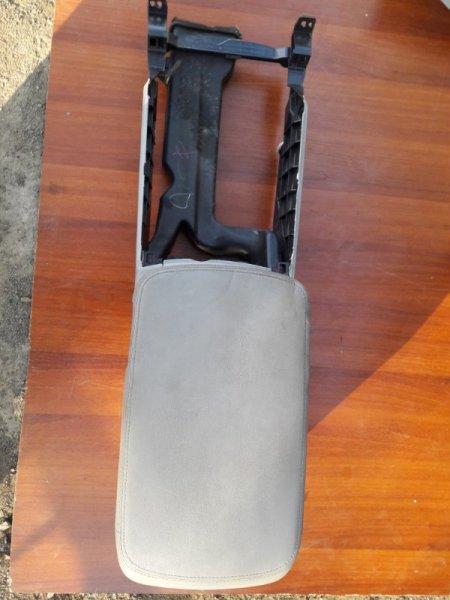 Бардачок между сиденьями Toyota Crown GRS200 2010