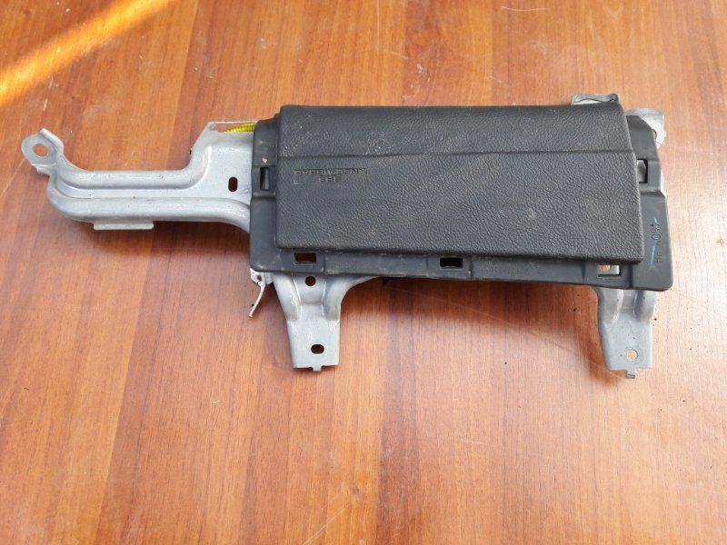 Подушка безопасности для колен Toyota Harrier DBA-GSU36W 2GR-FE 2006