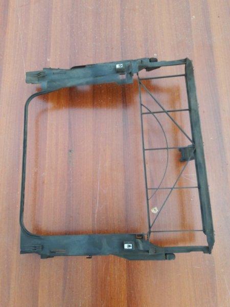 Пластм. защита над радиатором Bmw X5 E53 M62B44 2002