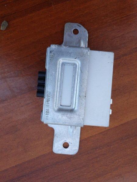 Блок управления антеной Mercedes Benz 164.186 Ml350 4Matic W164 M272E35