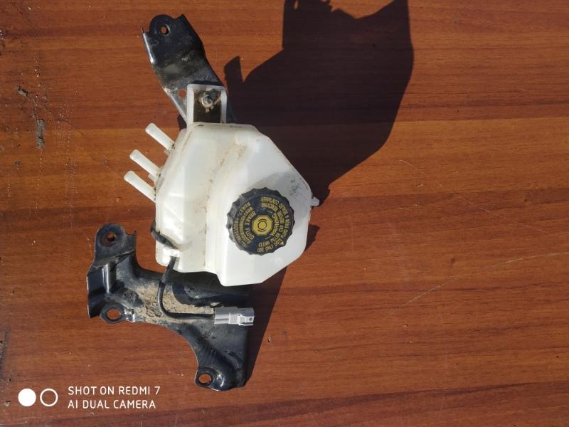 Бачок для тормозной жидкости Lexus Hs250H ANF10 2AZFXE 2011