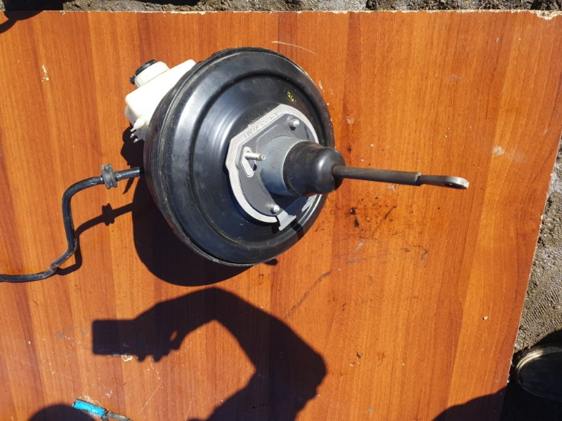 Главный тормозной цилиндр Bmw X5 E53 N62B44 2006