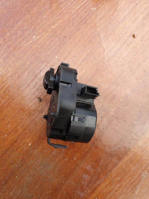 Сервопривод заслонок печки Bmw X5 E53 M62B44 2001