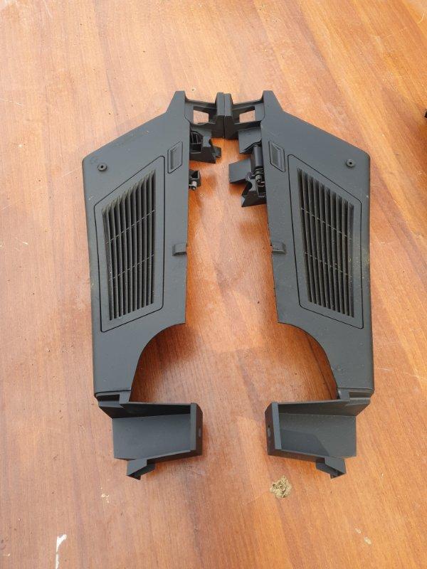 Пластик стойки Bmw X3 E83 N52B25 2006
