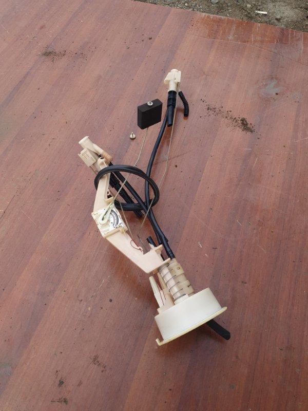 Датчик уровня топлива Bmw X5 E53 M62B44 2001