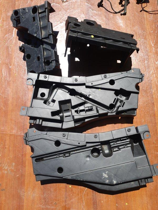 Пластик багажника Bmw X5 E53 M54B30 2005