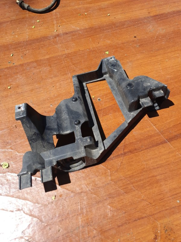 Крепление фары Bmw X5 E53 M54B30 2005 левое