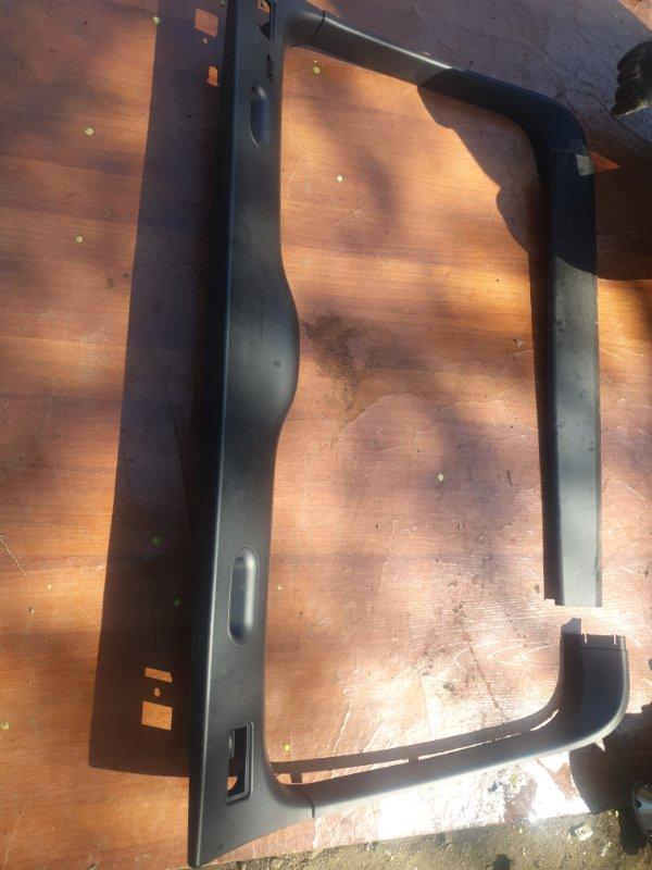 Обшивка двери багажника Bmw X5 E53 M54B30 2005