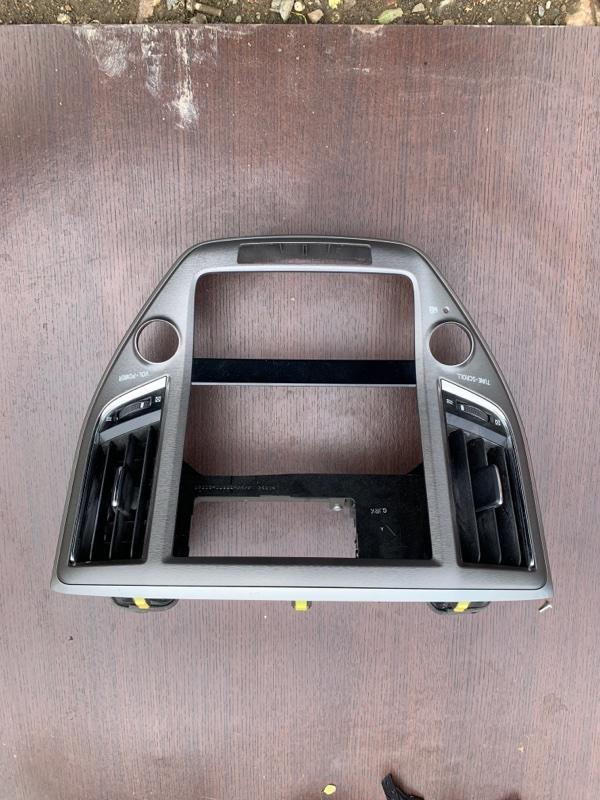 Консоль магнитофона Toyota Crown AWS210 2ARFSE 2013