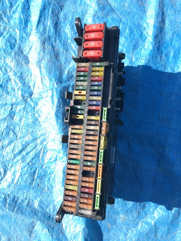 Блок предохранителей Bmw X5 E53 N62B44 2005
