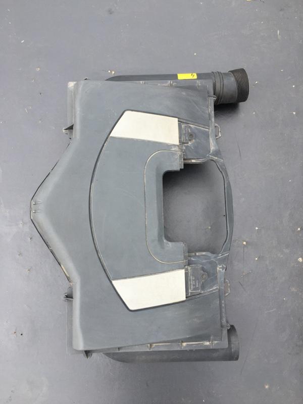 Корпус воздушного фильтра Mercedes Benz 164.186 Ml350 4Matic W164.186 M272E35 2007