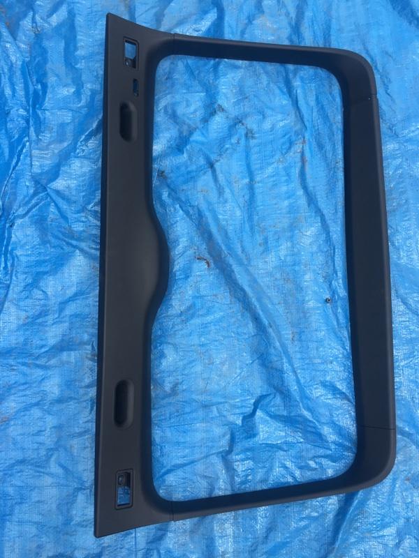 Обшивка 5й двери Bmw X5 E53 M54B30 2002