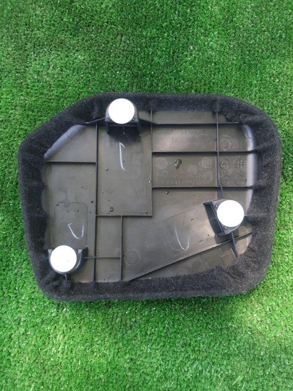 Обшивка багажника Toyota Sai AZC10 2AZFXE 2015 левая
