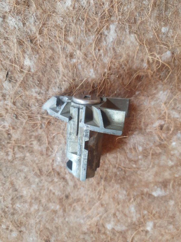 Личинка замка Bmw X5 E53 N62B44 2005 передняя левая