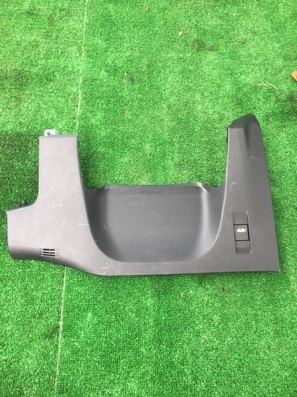 Пластик салона Toyota Corolla Touaring ZWE211W 2ZR-FXE 2019