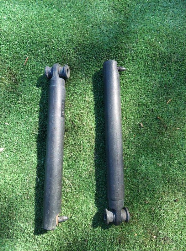 Амортизатор крышки багажника X5 E53 M54B30 2005