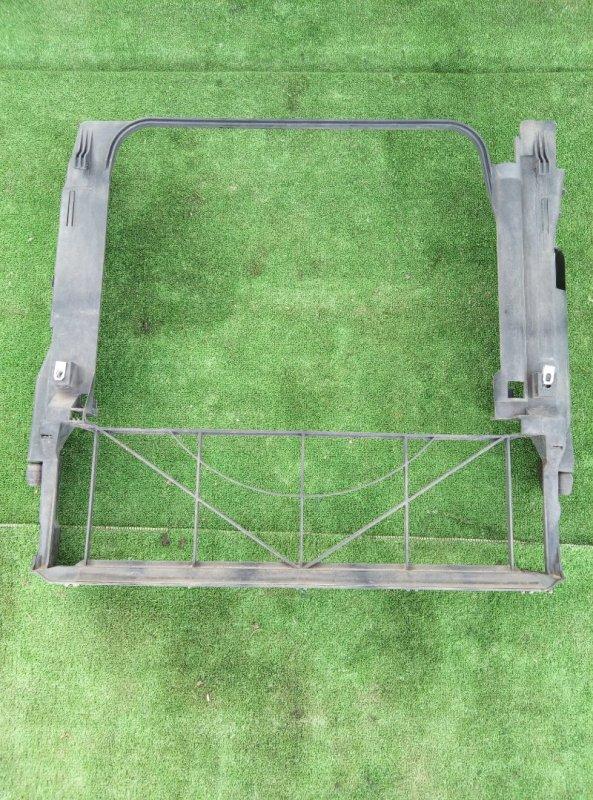 Пластм. защита над радиатором X5 E53 M54B30 2005