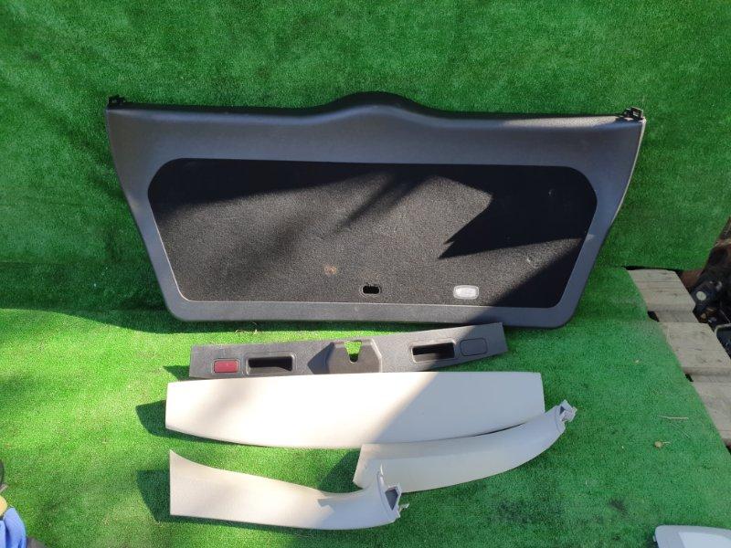 Обшивка двери багажника Mercedes Benz 164.186 Ml350 4Matic W164.186 M272E35 2006